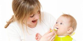 Một số biểu hiện bé đi ngoài không bình thường ở trẻ ăn dặm?