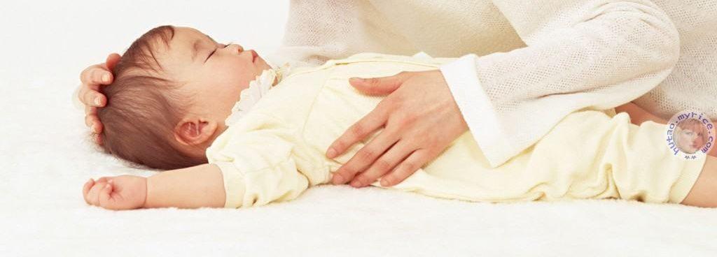 Đặt bé ngủ đúng cách