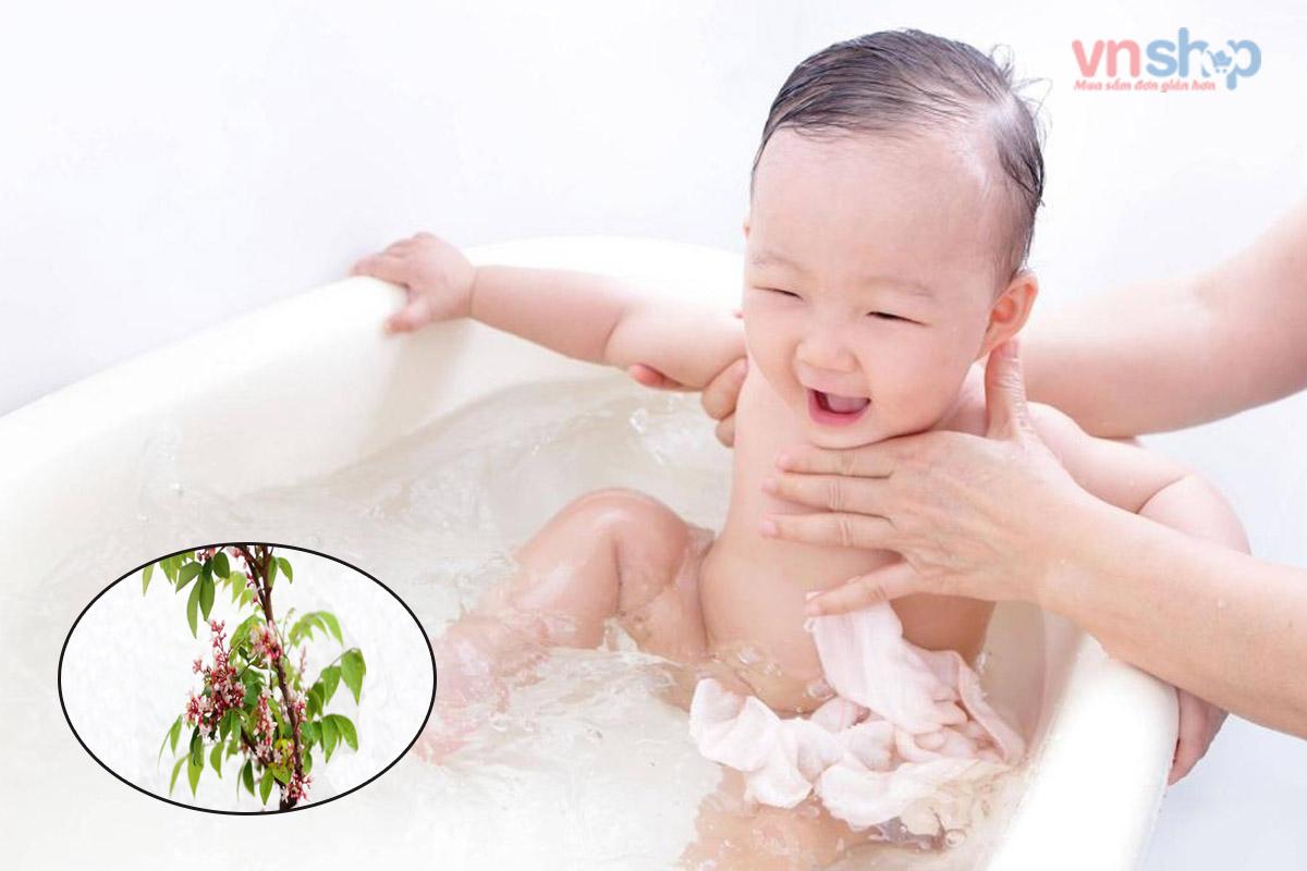 Cách tắm lá khế cho trẻ sơ sinh