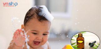 tắm cho trẻ sơ sinh bằng dầu tràm