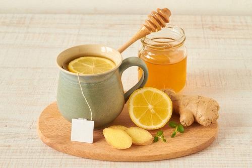 cách giải rượu bằng mật ong và gừng