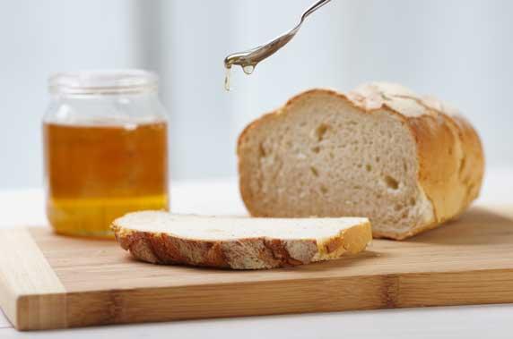 chữa rượu với mật ong và bánh mì