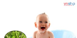 tắm cỏ mần trầu tắm cho trẻ