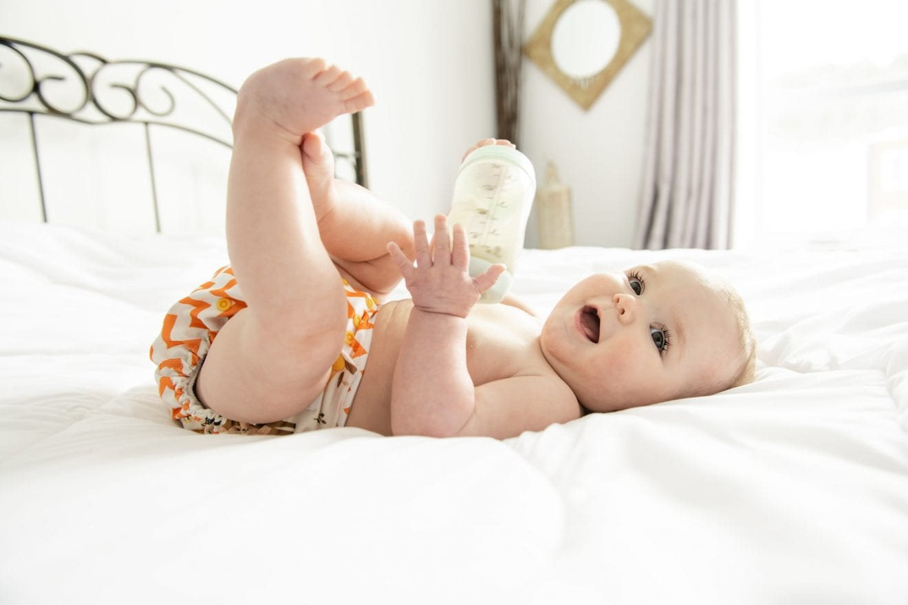 cách mặc bỉm cho trẻ sơ sinh_2