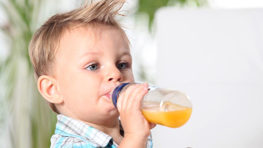 Cách làm nước ép trái cây cho bé_1