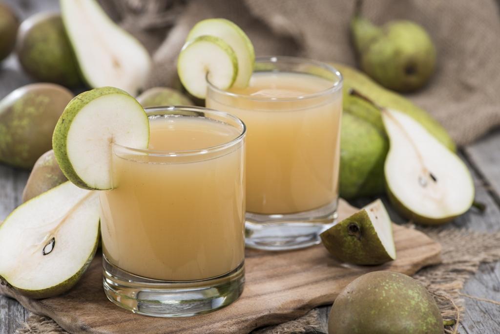 Cách làm nước ép trái cây cho bé - nước ép lê