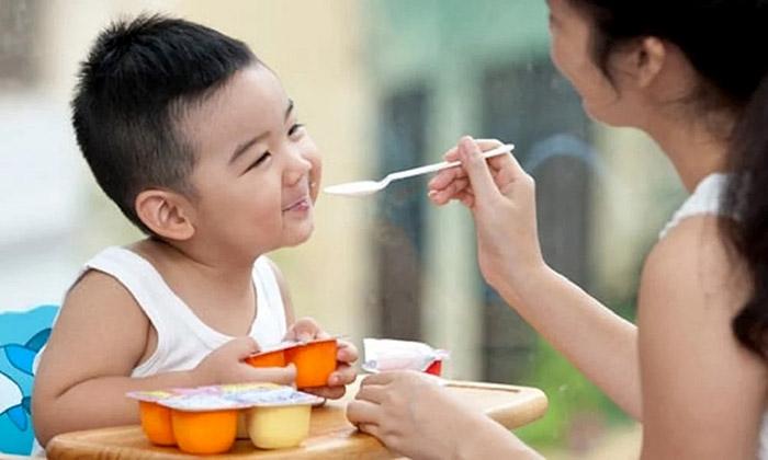 Sử dụng váng sữa cho trẻ như thế nào là hợp lý