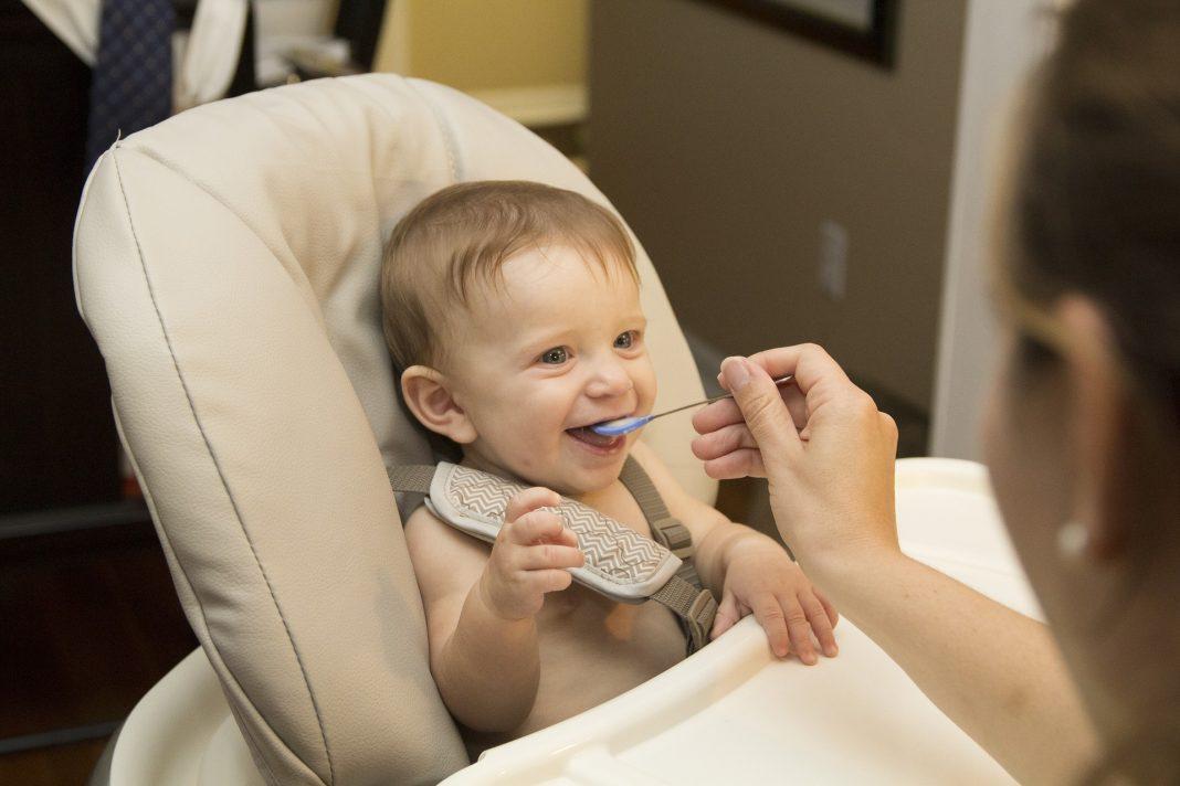 Bột ăn dặm cho trẻ 2 tháng tuổi