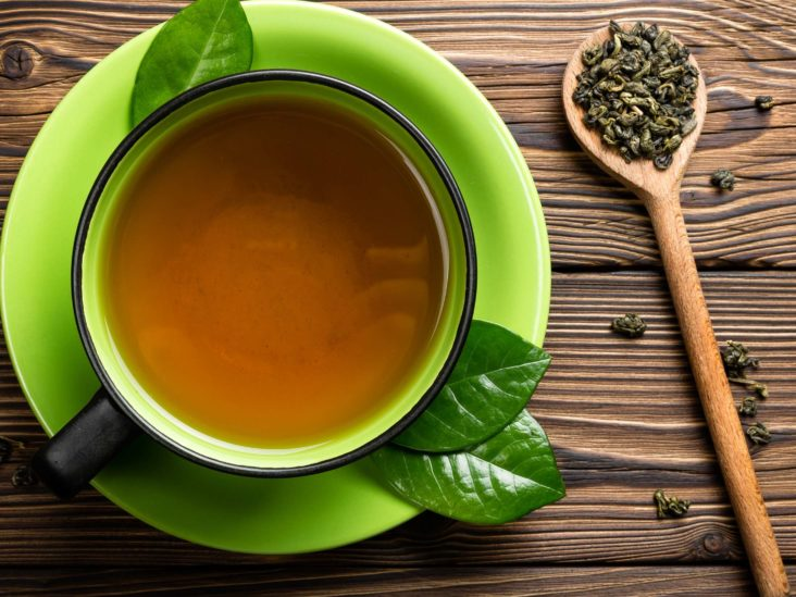 trà xanh giải nhiệt trị mụn