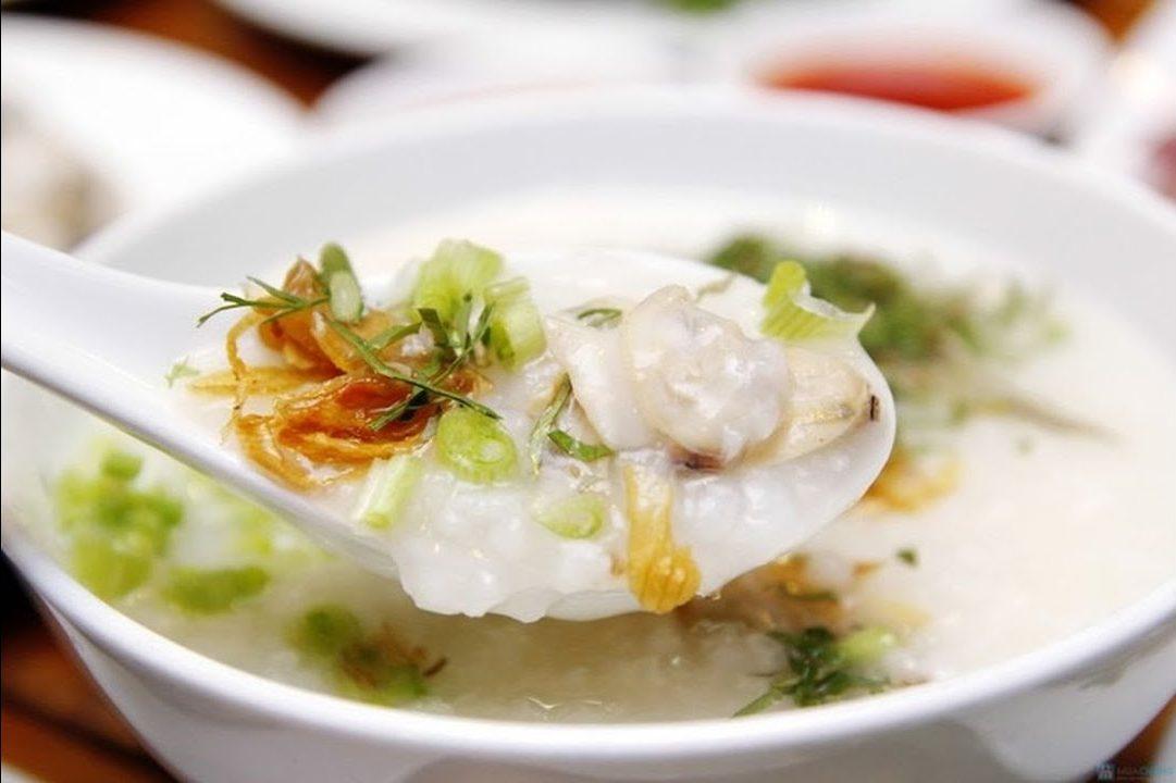 Các món ăn giải nhiệt mùa hè dễ làm - cháo đậu xanh thịt gà