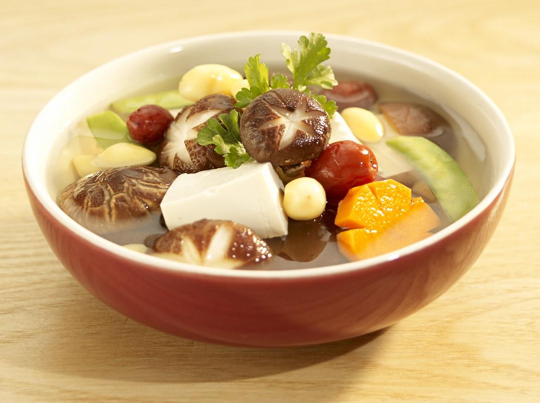 các món ăn chay đãi tiệc - canh nấm hạt sen