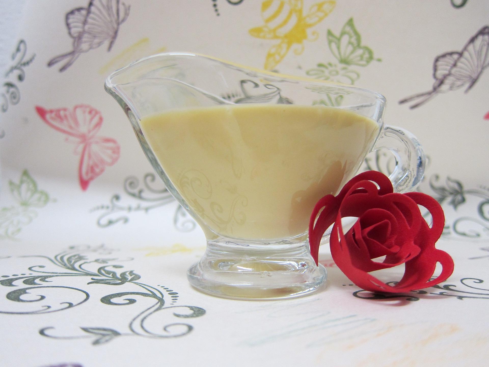Các bước tắm trắng bằng mật ong và sữa chua không đường