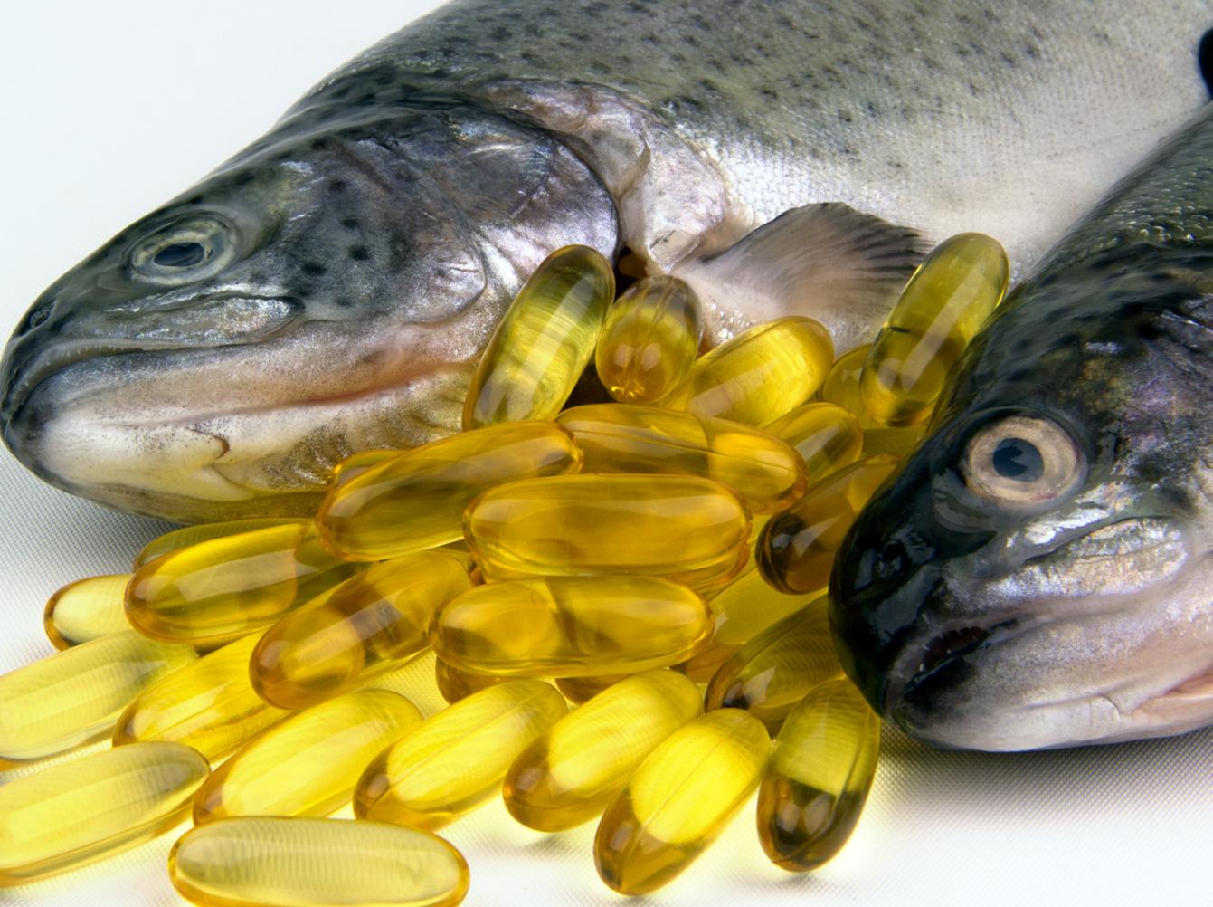 Dầu cá giúp chống khô da khi sử dụng điều hòa-1