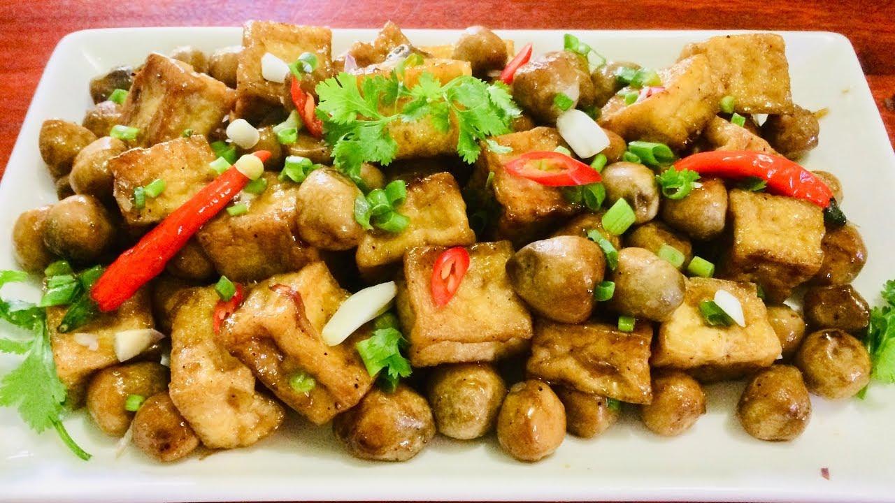 các món ăn chay từ nấm - nấm rơm kho đậu hũ